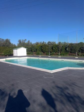 Piscina foto di alla corte delle terme resort viterbo - Terme di castrocaro prezzi piscina ...