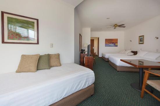 Hotel Bougainvillea: Habitación 2dbl 1sencilla