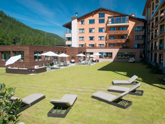 Hotel Palue: Hotel in Summer