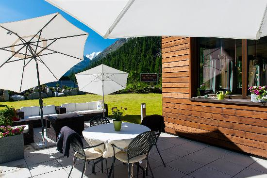 Hotel Palue: Summer Terrace