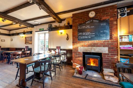 Cranborne, UK: Bar Area