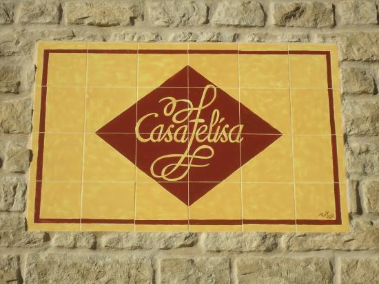 Santa Eulalia de Gállego, España: Cartel en Fachada