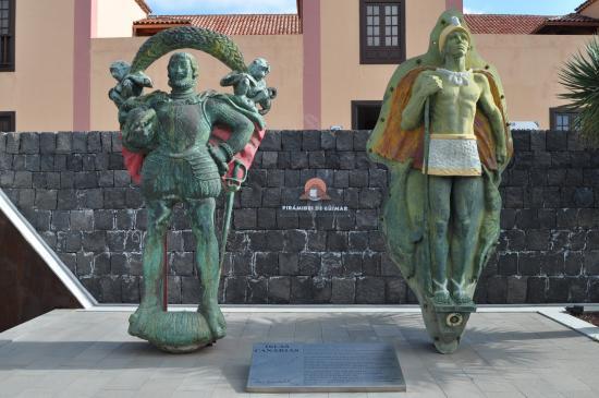 Güímar, España: El descubridor y el conquistado