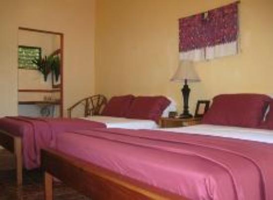 Punta Gorda, Belice: Room #3 with two double beds