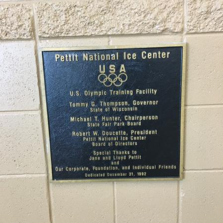 ‪Pettit National Ice Center‬