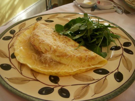 La Toscana di Carlotta: Light Italian omellette with cipolle!