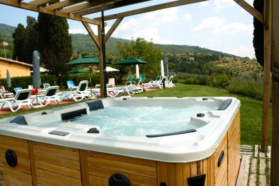 Podere Piana: Jacuzzi outdoor