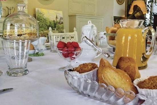 Saint-Georges-sur-Cher, Fransa: Breakfast