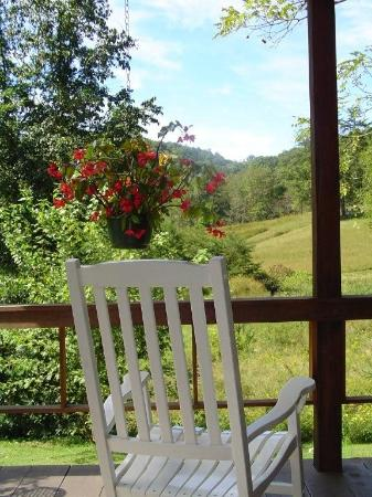 Irvine, Kentucky: Porch View
