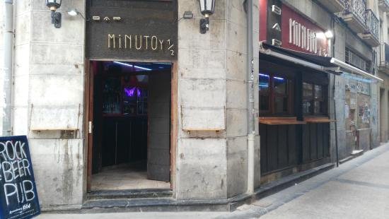 Minuto y Medio Bar
