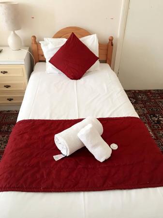 Euro Hotel Harrow: Rooms