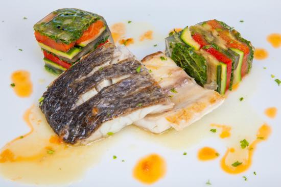 Albergo Protti: Trancio di ombrina con millefoglie di verdure