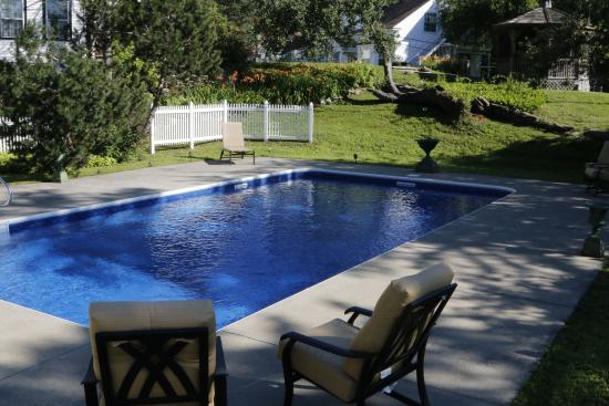 เวสต์โดเวอร์, เวอร์มอนต์: Pool