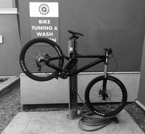 Aava Whistler Hotel: Bike Wash and Tuning Stand