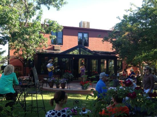Chamberlin Inn: Summer Music in our Courtyard