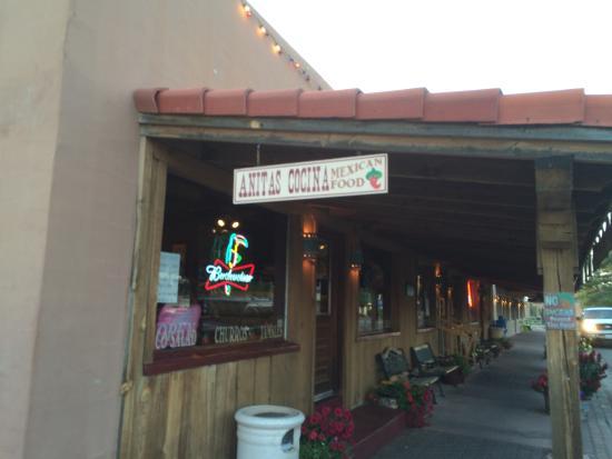 Sidewalk entrance to Anita's Cocina