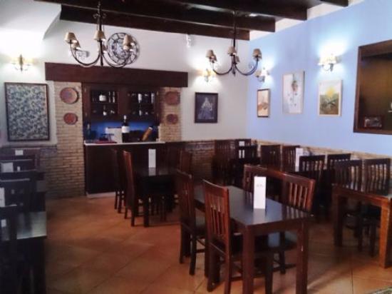 Restaurante manuel casta o bar y tapas en dos hermanas - Cocinas dos hermanas ...