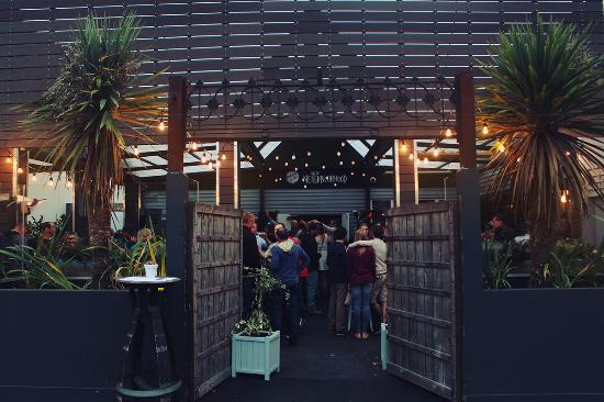 Little Neighbourhood Beer Garden & Eatery