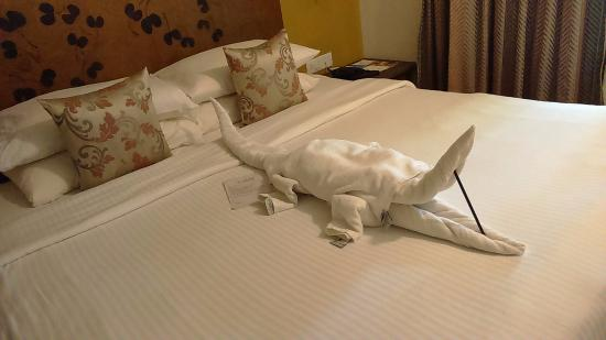 Club Mahindra Madikeri, Coorg: Towel origami - decorates the rooms- everyday a different arrangement - a demo is held for guest