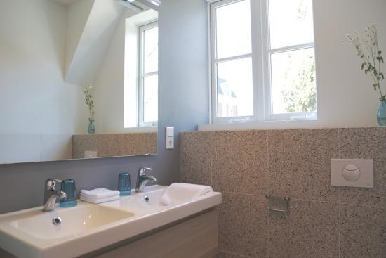Beek-Ubbergen, Holland: Badkamer kamer 2