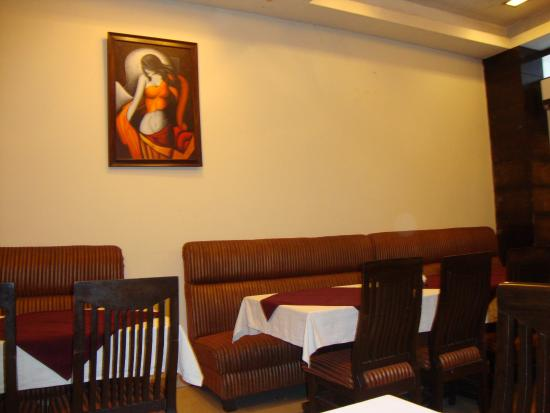 Hotel 42 Amritsar: beautiful dining area