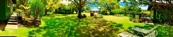 Nona Lani Cottages: Enjoy the park like setting