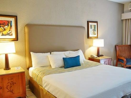 Rincon of the Seas Grand Caribbean Hotel: Kings size Bed