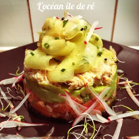 Ле-Буа-Пляж-Ан-Ре, Франция: Tartare de saumon et crabe, légumes croquants et guacamole : nouveaté 2016.