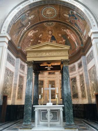 Potsdam Friedenskirche: Altar