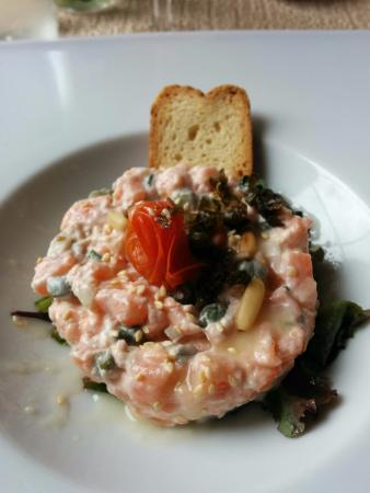 Riscle, France: Tartare de saumon