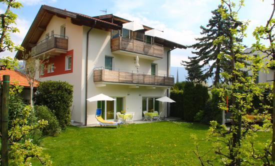 Ferienwohnungen Grazia-Dei: Ansicht von Westen