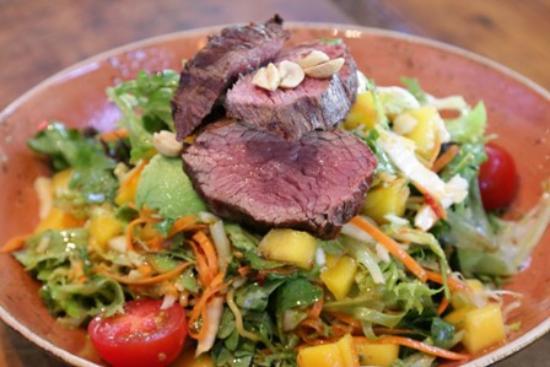 Lulu: Asian Steak Salad