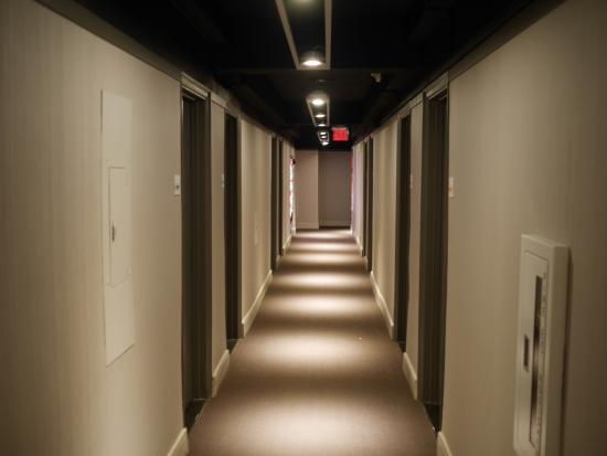 Cool hotel hallways images galleries for Hallways images
