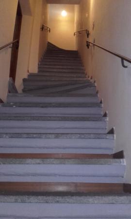 B&B da Peppe al Borgo : la scalinata ripida