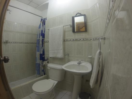 Hostal Mia Leticia: baño 22