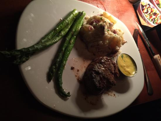 Mitchell's Fish Market - Sandestin : Filet entree