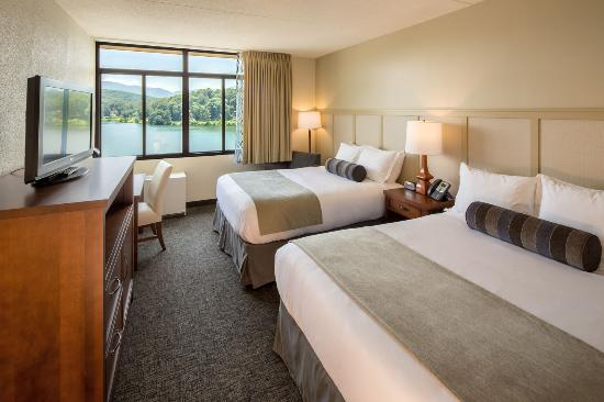 Lake Junaluska Conference and Retreat Center: Stay at The Terrace, a recently renovated hotel with fantastic views of the lake.