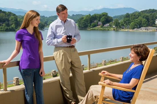 Lake Junaluska Conference and Retreat Center: The Terrace is the perfect place to relax in a rocking chair and enjoy the mountain views at the