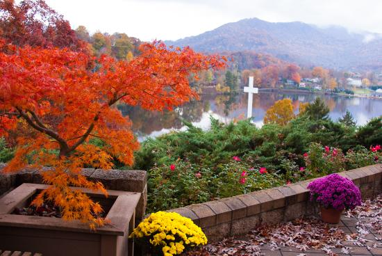 Lake Junaluska Conference and Retreat Center: Enjoy the peace of Inspiration Point.