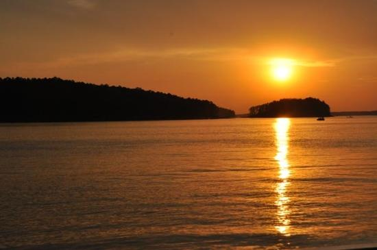 Bismarck, AR: DeGray Lake at sunset.