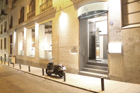 Calle Reina Picture Of Angelita Madrid Madrid Tripadvisor