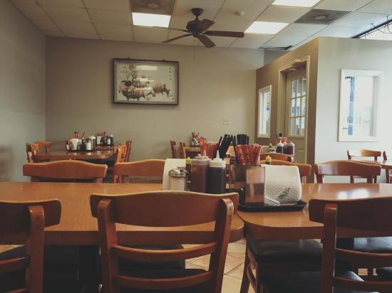 Glendale Heights, IL: Pho Ha 週末は行列もできるフォーの美味い店