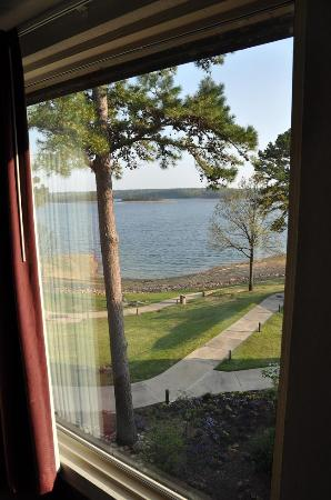 Bismarck, AR: The lake view from our room.