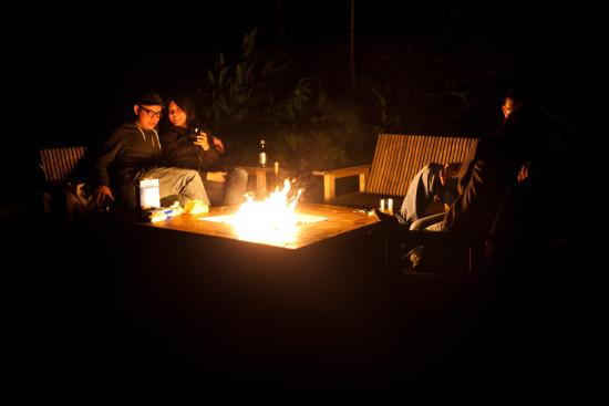 Glen Oaks Big Sur: Community firepit