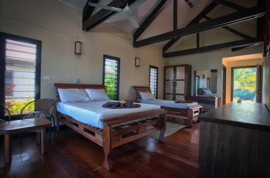 Namuka Bay Lagoon Resort: Inside a villa unit