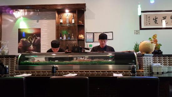 Brookfield, CT: Housaku's chefs at work
