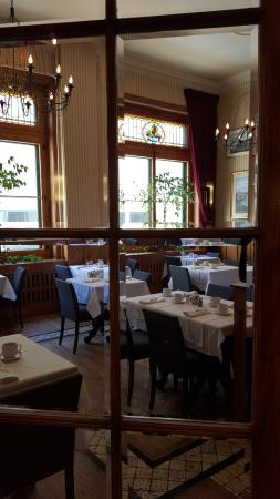 Le Saint-Pierre Auberge Distinctive: Salle à manger (petit déjeuner)