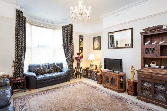 Arden Park Guest House: Guest Lounge