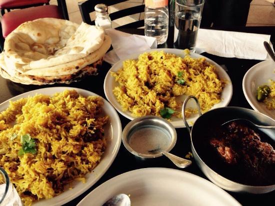 Zona Metropolitana de Guadalajara, México: Buena comida Pak/Indian con buenos sabores. probamos el curry de borrego y los Naan muy ricos y