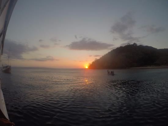 West Nusa Tenggara, Indonesia: Sunset pulau satonde